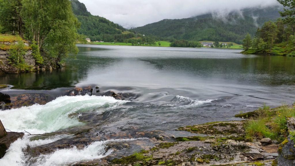 image-16-1024x576 Fiorda, czyli jak wyobrażenia zderzyły się z rzeczywistością Lato 2016 Norwegia