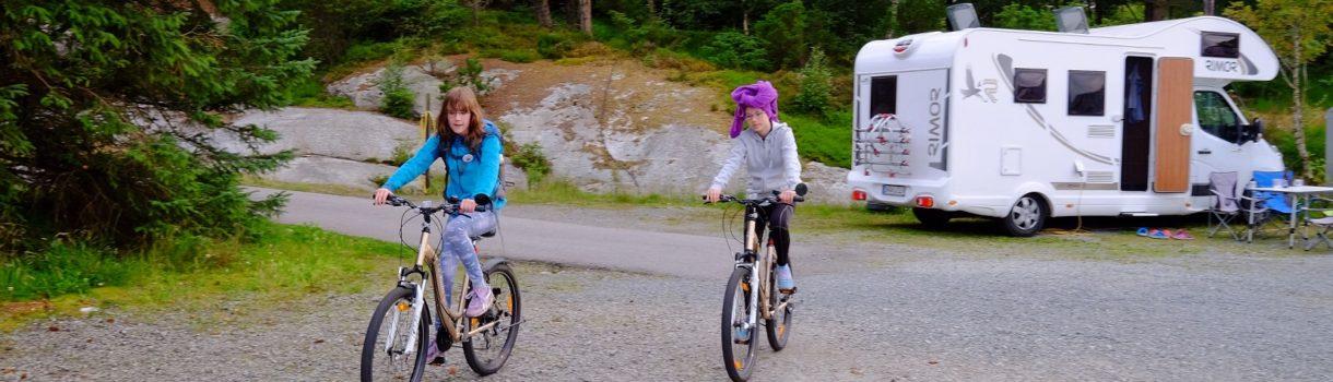 Norwegia, dziecięca miłość od pierwszego wejrzenia