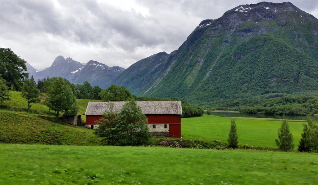 image-33-1024x597 Norwegia - droga krajowa nr 13 Lato 2016 Norwegia