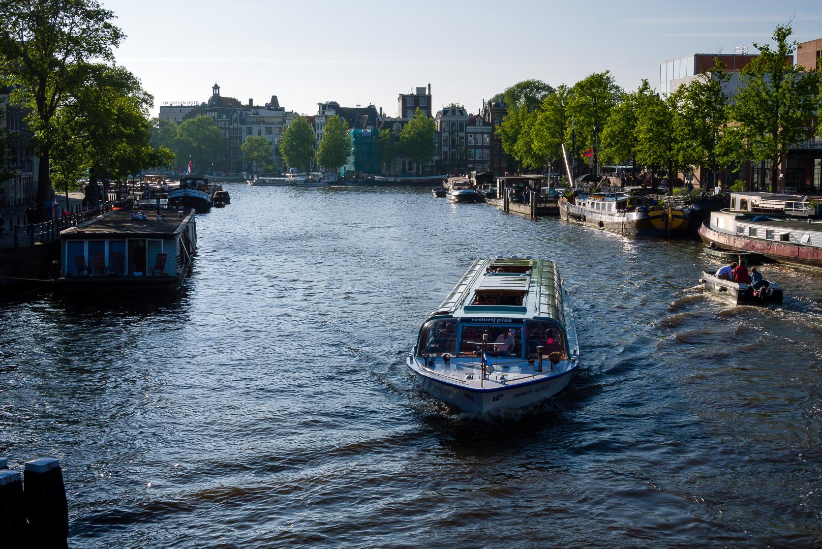 amsterdam-tramwaj-wodny-2010 Targów karawaningu ciąg dalszy Lato 2016 Motorhome