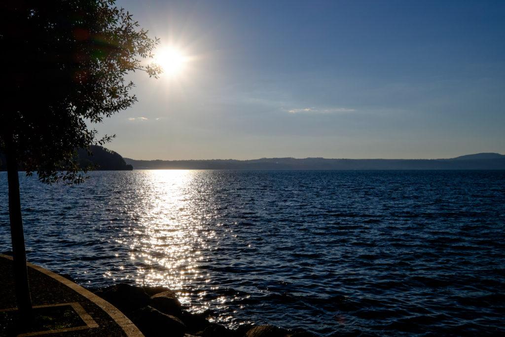 Zachod-slonca-nad-jeziorem-Bracciano-007-1024x683 Włochy we wrześniu. La Vita è bella Motorhome